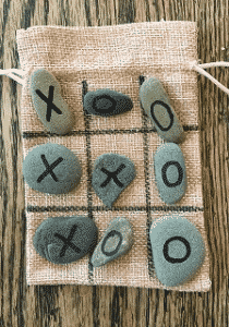 Story & Craft Grab & Go Bag: Father's Day Tic Tac Toe Rocks